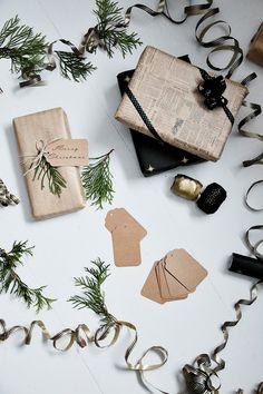 Täyttä elämää: Luukku 8-Paketointipuuhia Merry Christmas, Gift Wrapping, Packaging, Gifts, Merry Little Christmas, Gift Wrapping Paper, Presents, Wrapping Gifts, Wish You Merry Christmas