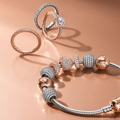 Along with the regular fallcollection, Pandora is also launching their Rose Collection for Autumn/Winter 2016. This is a very small set and only includes 3 charms, 2 rings, 2 earrings, and 2 new two-tone bracelets. The Rose line is plated rose gold...