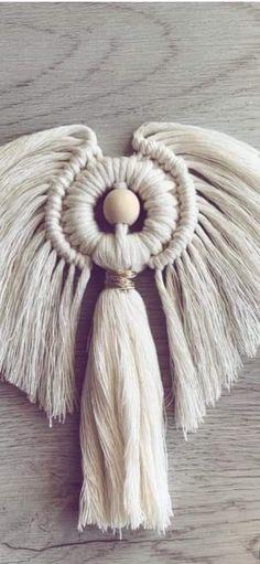 Macrame Design, Macrame Art, Macrame Projects, Macrame Knots, Christmas Wreaths, Xmas, Christmas Ornaments, Crochet Thread Patterns, Macrame Tutorial