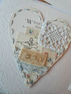 Nostalgia - My Creations Fair Dates: Deck of Cards. Fabric Cards, Fabric Postcards, Sewing Crafts, Sewing Projects, Bookbinding Tutorial, Fabric Journals, Scrapbook Embellishments, Making Ideas, Cardmaking