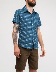 Wolf vs. Goat short sleeved shirt. Polka print. Hand-lathed mother of pearl buttons. Slimmer fit.