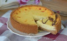 Mascarpone cheesecake,cotta in forno, ottima da gustare da sola oppure con delle coperture golose come cioccolato, marmellata e frutta fresca.