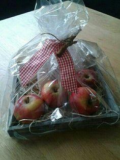Traktatie voor juf of meester. Alles om een appeltaart te bakken.
