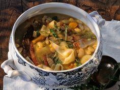 Découvrez la recette La vraie soupe Corse sur cuisineactuelle.fr.