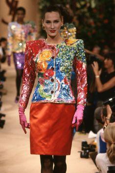 Yves Saint Laurent Paris, St Laurent, 2000s Fashion, High Fashion, Ysl, Terms Of Endearment, Vintage Fashion Photography, Vintage Ladies, Vintage Woman