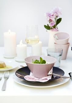 Arabia KoKo Kitchen Dishes, Kitchen Decor, Pastel Home Decor, Pastel House, Romantic Homes, Dish Sets, Nordic Design, Love Design, A Table