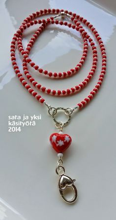 sata ja yksi käsityötä: avainnauha Washer Necklace, Beaded Necklace, Necklaces, Beaded Lanyards, Eyeglass Holder, Leather Chain, Screen Printing, Eyewear, Helmet