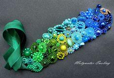 laguna – Na rękę - kolor: lazurowy, jasnozielony, kolorowy, wymiary: Wymiary: długość motywu: ok. 17 cm, szerokość: ok. 5 cm; długość tasiemek: 21 cm. – Artillo