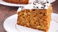 This option for Slow Cooker Carrot Cake is really easy. For fun, serve in glasses for individual servings and add the frosting on top. Slow Cooker Recipes Dessert, Crock Pot Desserts, Just Desserts, Delicious Desserts, Crock Pot Food, Crockpot Dishes, Crockpot Ideas, Fun Baking Recipes, Sweet Recipes