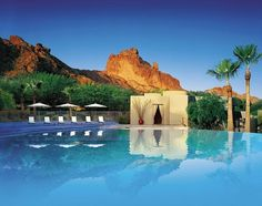 Pure #luxury in the desert. LOVE the infinity pool! (Sanctuary on Camelback Mountain - Luxury Hotels in Arizona | Condé Nast Johansens)