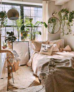 Bohemian bedroom and bedding design - Zimmer einrichten - Decoration Help Room Ideas Bedroom, Bedroom Inspo, Home Bedroom, Bedroom Designs, Modern Bedroom, Bedroom Vintage, Master Bedroom, Contemporary Bedroom, Minimalist Bedroom