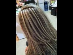 mechas universales en v / how to make curls step by step How To Lighten Hair, Fast Hairstyles, How To Look Better, How To Make, Dream Hair, Low Lights, Balayage Hair, Beauty Makeup, Curls