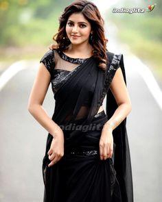 Beautiful Saree, Beautiful Indian Actress, Dehati Girl Photo, Beautiful Blonde Girl, Beautiful Women, Saree Shopping, Tamil Actress Photos, Pink Saree, Satin Saree