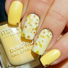 Beautiful yellow blossom nail art water decal wraps for the perfect manicure in minutes. Flower Nail Designs, Flower Nail Art, Nail Designs Spring, Cool Nail Designs, Nail Art Gris, Nail Art Fleur, Yellow Nails Design, Yellow Nail Art, Nail Swag
