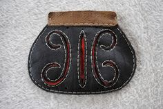 viking handcraft: The Gokstad chieftain´s pouch