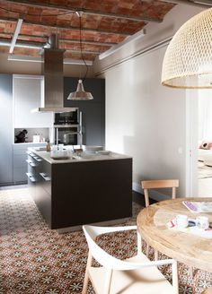 Contemporary kitchens with cement tiles | Design by Meritxell Ribé. Photo by Mauricio Fuertes.