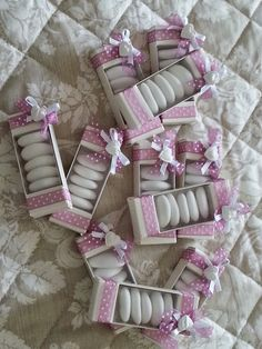 my country dream Wedding Candy, Wedding Favors, Baby Shower Giveaways, Chocolate Wrapping, Diy Confetti, Diy And Crafts, Paper Crafts, Garden Shower, Cookie Packaging