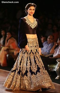 Deepika Padukone Showstopper Manish Malhotra Delhi Couture Week 2013