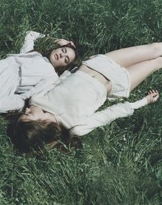 bienenkiste:  Alma Durand and Karolina Gorzala by Clare Shilland for Elle France July 2013