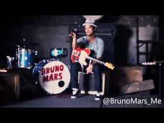 Bruno Mars - Gold (Full Version) Bruno Mars Videos, Bruno Mars Songs, Early Music, Guy, Handsome, Celebrity, Amazing, Youtube, Life