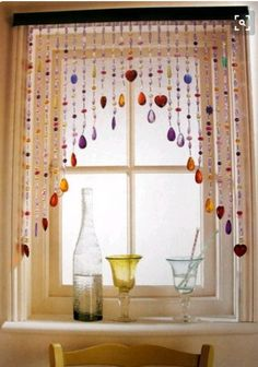If you like to add creative and original decoration in your interior, beaded curtains are the right solution for you. Beaded curtains can be made from Deco Boheme, Window Dressings, Diy Décoration, Fun Diy, Kitchen Curtains, Kitchen Windows, Bathroom Curtains, Bathroom Windows, Bathroom Window Decor