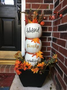 Used the plastic pumpkins and painted them off white. Might have been better to … Used the plastic pumpkins and painted them off white. Might have been better to …,Herbstdeko Used the plastic pumpkins. Thanksgiving Crafts, Fall Crafts, Holiday Crafts, Thanksgiving Decorations Outdoor, Decor Crafts, Wood Crafts, Paper Crafts, Entree Halloween, Fall Halloween