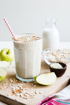 Apple oatmeal flax chia seeds hemp breakfast smoothie. Had this for breakfast and it was delicious!