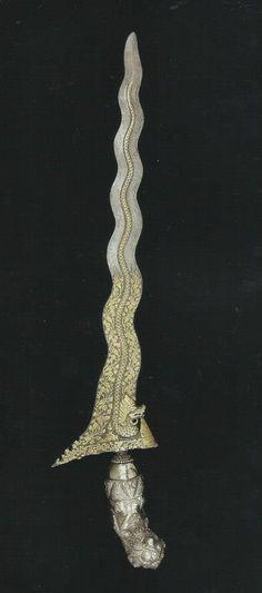 """KERIS Nagasasra luk 13 koleksi Museum Etnologi Nasional Leiden. Dikutip dari buku Isaac Groneman """"The Javanese Kris"""" terbitan C Zwartenkot Art Books, Leiden and KITLV Press, Leiden... Panjang 50 cm, PakBo"""