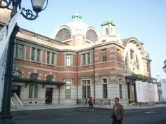 서울역광장  http://en.wikipedia.org/wiki/Seoul_Station