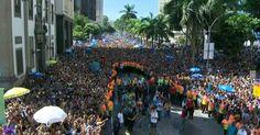 Em sua estreia no carnaval de rua, Anitta leva multidão ao Centro do Rio