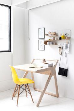 Conviene que el escritorio de tus pequeños siga el estilo de decoración que prima en tu hogar. Si tu estilo es el nórdico, lo mejor será elegir muebles claros, de líneas simples y diseños livianos.