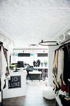 Related images about fashion truck interior design. Boutique Design, Boutique Decor, Mobile Boutique, Fashion Boutique, Mobile Shop, Mobile House, Bohemian Interior Design, Shop Interior Design, Store Design