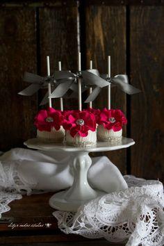 elegant cake pops {ditzie cakes}