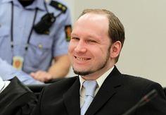 Scandaloso!  Un tribunale di Oslo hastabilito che i diritti umani di Anders Breivikl'autore degli attentati del 22 luglio 2011 nella capitale norvegese e a Utoya,sono stativiolati in carcere