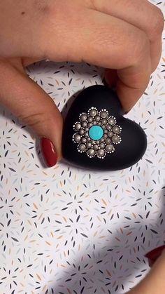 Mandala dot art – Welcome My World Stone Art Painting, Dot Art Painting, Mandala Painting, Pebble Painting, Art Art, Mandala Painted Rocks, Painted Rocks Craft, Mandala Rocks, Rock Painting Patterns