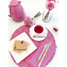 Por aqui até meu chá ta combinando com a roupa de mesa!  Como não sou muito adepta essa semana será um desafio fazer combinações para a #semanamesahits_tudocombinando ... Eu adoro um desafio!
