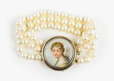 A Cultured Pearl Bracelet. Lot 165-7215