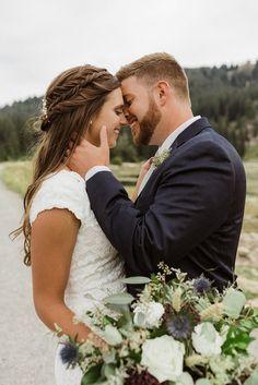 Wedding Photoshoot, Wedding Shoot, Wedding Couples, Dream Wedding, Wedding Ideas, Wedding Notes, Wedding Posing, Wedding Makeup, Wedding Bride