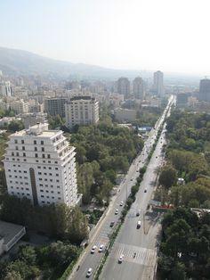 Tehran, Farmanie St.
