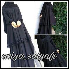 _ Заказной костюмчик ,который так нравится моей дорогой клиентке @el.i.ta,что она его заказала и в летнем и в зимнем варианте) Юбка и туничка по косой,а по цене 4000, Islamic Fashion, Muslim Fashion, Abaya Fashion, Fashion Dresses, Abaya Pattern, Hijab Dress Party, Mode Abaya, Modele Hijab, Abaya Designs