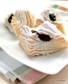 Step by step traditional puff pastry Cookie Pie, Sweet Pastries, Cupcake Cookies, Cupcakes, Summer Bbq, Baked Goods, Yogurt, Gem, Breakfast Recipes