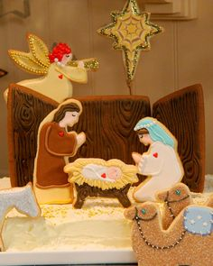 This gingerbread creche is the flavorful foundation for cookie decorator Dani Fiori's edible Nativity scene. Also try: Donkey Sugar Cookie, Sheep Sugar Cookie