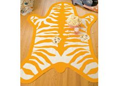 How-Tuesday: Felt Rug from Dorm Decor on Etsy Funny - could be the GCSU cat.   Not sure how it would hold up on the floor but on wall?
