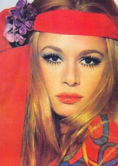 Net Photo: Aliki Vougiouklaki: Image ID: . Pic of Aliki Vougiouklaki - Latest Aliki Vougiouklaki Image. 1960s Makeup, Vintage Makeup, Vintage Glam, Vintage Beauty, Vintage Models, 1960s Fashion, Vintage Fashion, Photo Vintage, Models Makeup