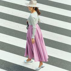 キレイ色はまずは「ボトムスで」が簡単!オススメは長め丈スカート