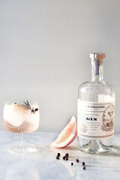 Elderflower Spanish Gin and Tonics // http://craftandcocktails.co