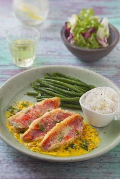 Filets de rouget sauce safranée – Best for You Shellfish Recipes, Seafood Recipes, Healthy Cooking, Cooking Recipes, Healthy Recipes, Seafood Appetizers, Salty Foods, Fish Dishes, Fish And Seafood