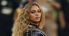 It is typical for off-duty police officers to volunteer to work security at special events.But according to Tampa Police Department Spokesman Steve Hegarty, there is no competition to sign up for her concert. In fact, there is no one signed up at all....Hey Beyonce....don't let your mouth write a check you can't cash!