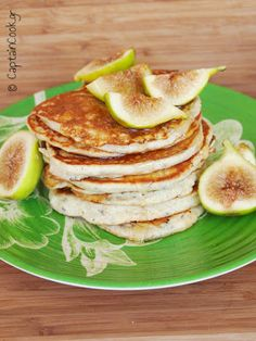 Yogurt Pancakes served with Honey and Figs (from It All Tastes Greek To Me) Argyropoulos Yogurt Pancakes, Yogurt Breakfast, Pancakes And Waffles, Special Occasion, Honey, Healthy Recipes, Cooking, Flaxseed, Figs
