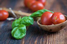Los Tomates, Pequeños Tomates, Rojo, Albahaca, Verde